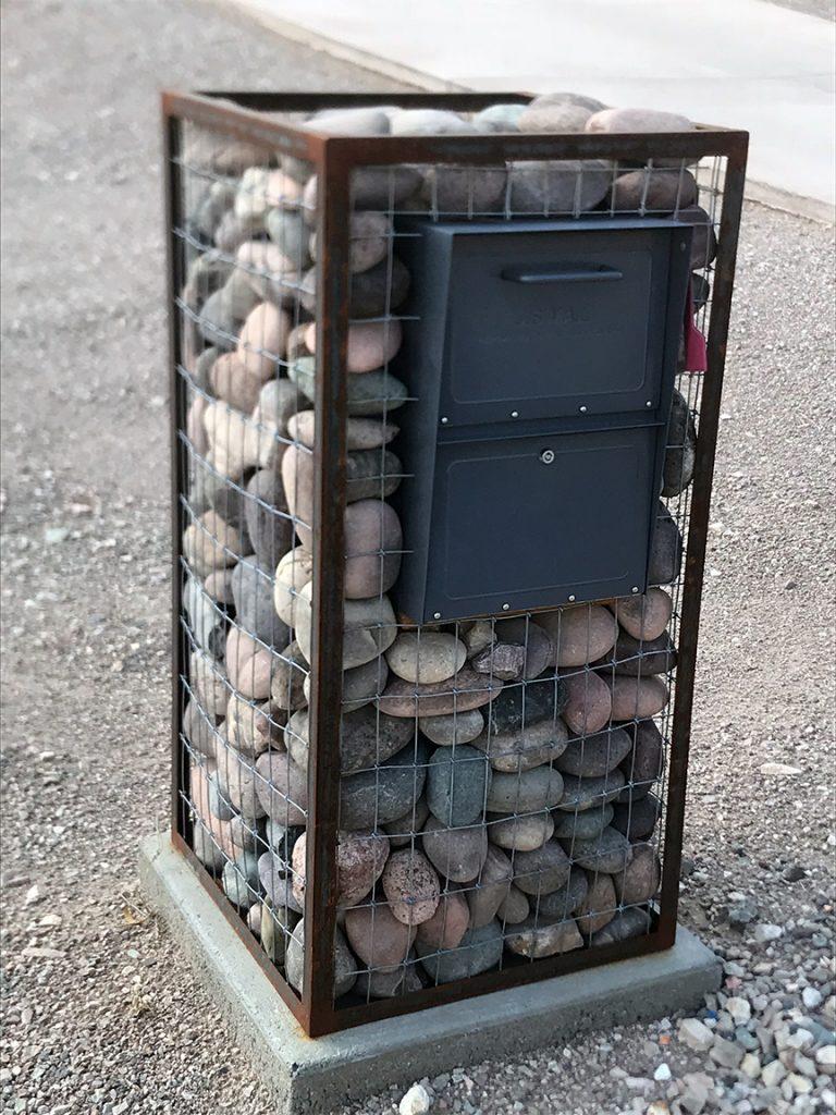 mail box 12